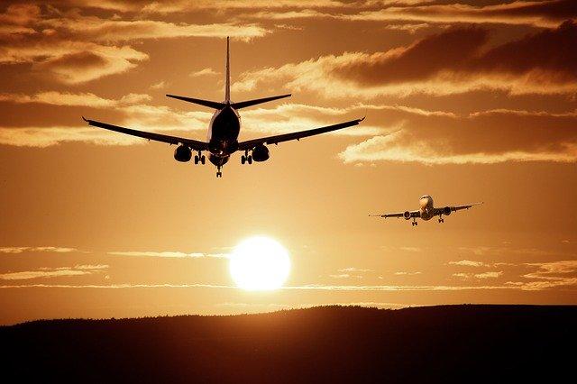 新千歳空港から羽田空港へ!最安値で行く方法とは