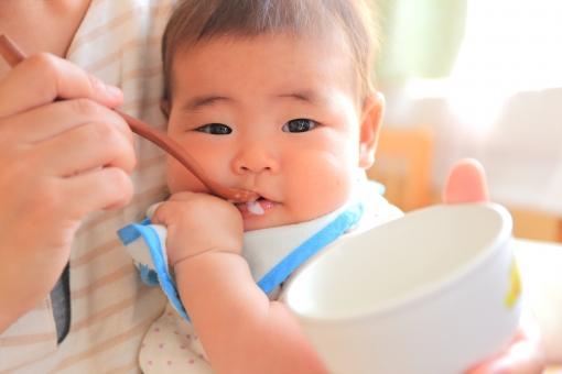 離乳食の豆腐をそのまま食べられるのはいつから?