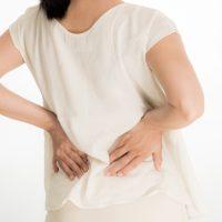 左の肋骨の下や背中が痛い時は要注意!すい臓の異常の可能性も